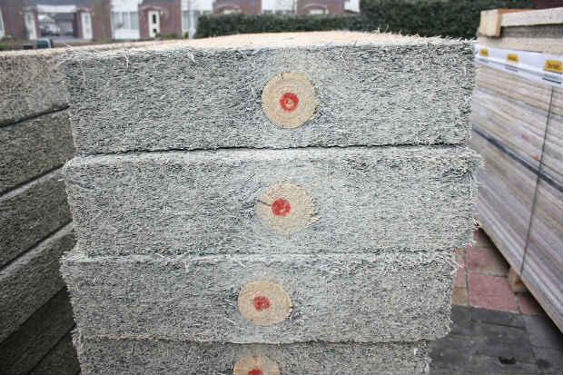 Materiali edili ecosostenibili: pannelli in legno, lana e cemento