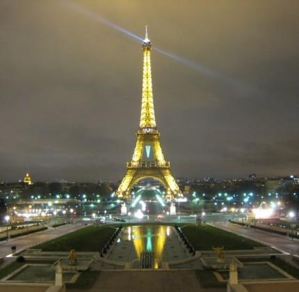 eiffel-tower-night-1024x768