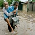Inondazioni e disastri Natale nero per l'Oriente_