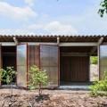 La casa ecologica da 4.000 dollari in bamboo e foglie di cocco