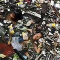 Acqua dei fiumi inquinata l'India non beve più_