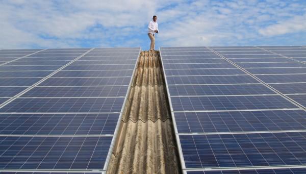 Energie rinnovabili, gli investitori di Spagna e Italia i più a rischio