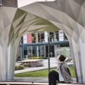Architettura parametrica, il padiglione è un origami d'alluminio