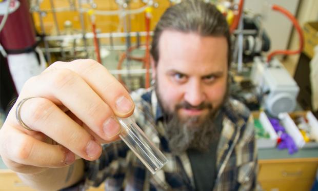Dai rifiuti elettronici si può estrarre l'oro con l'aceto