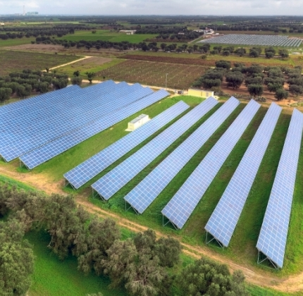 SAG_Solarstrom_Esposito_Italy_solar_farm_low_res_750_420_s_c1