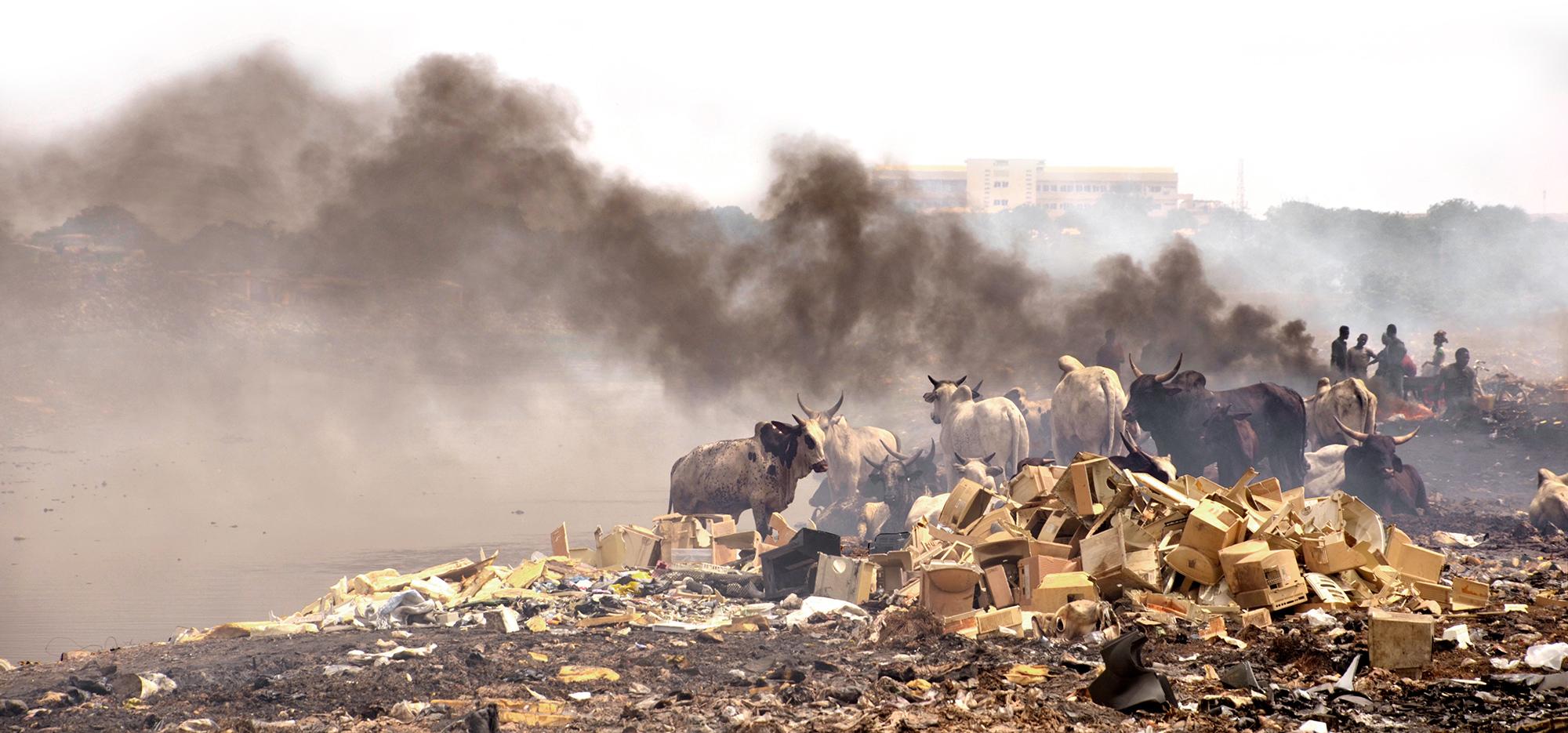 Risultati immagini per inquinamento africa