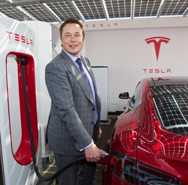 Un autoarticolato e un pickup elettrico: sono questi i due nuovi obiettivi del miliardario Elon Musk. I piani industriali saranno presentati alla fine dell'estate