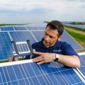 Investire nel fotovoltaico: le indicazioni per ridurre rischi e danni