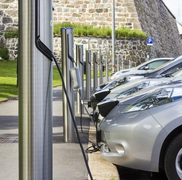 IEA: ora sono 2 mln le auto elettriche nel mondo