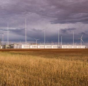 Australia: la mega batteria Tesla ha già superato le aspettative