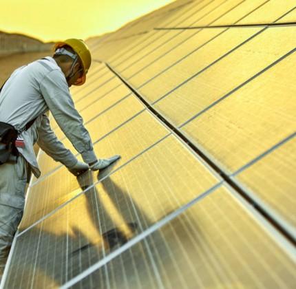 Le energie rinnovabili danno lavoro a 10,3 mln di persone nel mondo