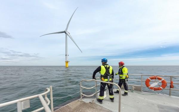 batteria eolico offhore
