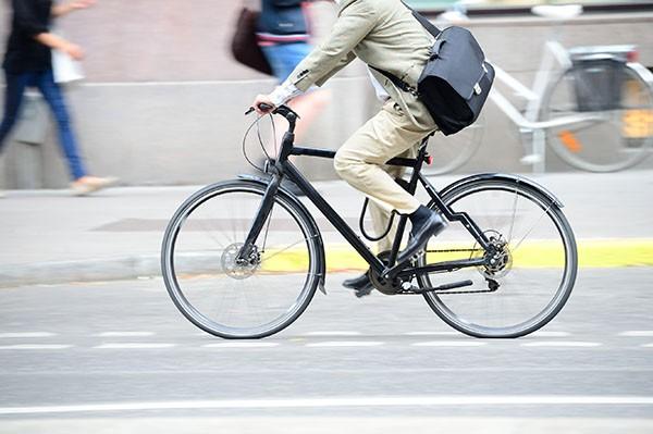 a lavoro in bici bari