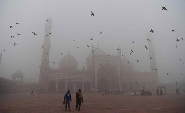smog-nuova-delhi-record