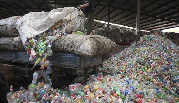 cina-plastica-monouso-rifiuti