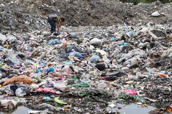 rifiuti in plastica