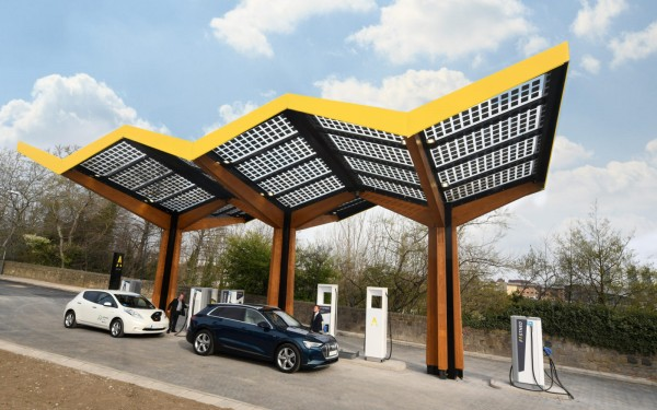 Fastned_first-fast-charging-station_United-Kingdom_Sunderland_2MB