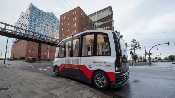 minibus a guida autonoma