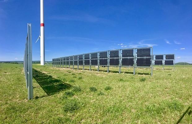 Pannelli fotovoltaici bifacciali