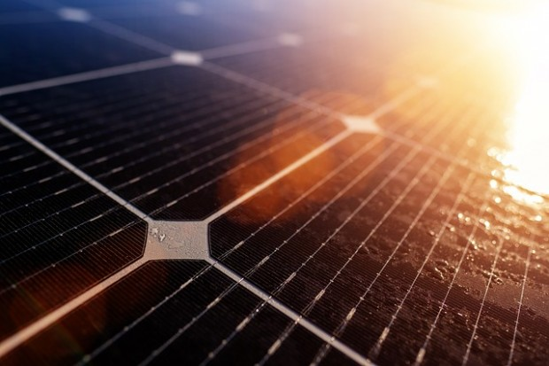 Solare bifacciale