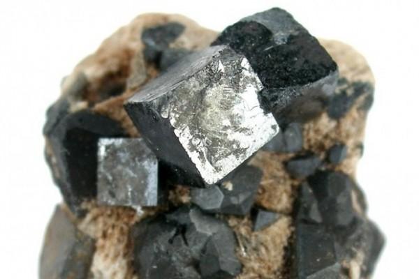 perovskiti inorganiche