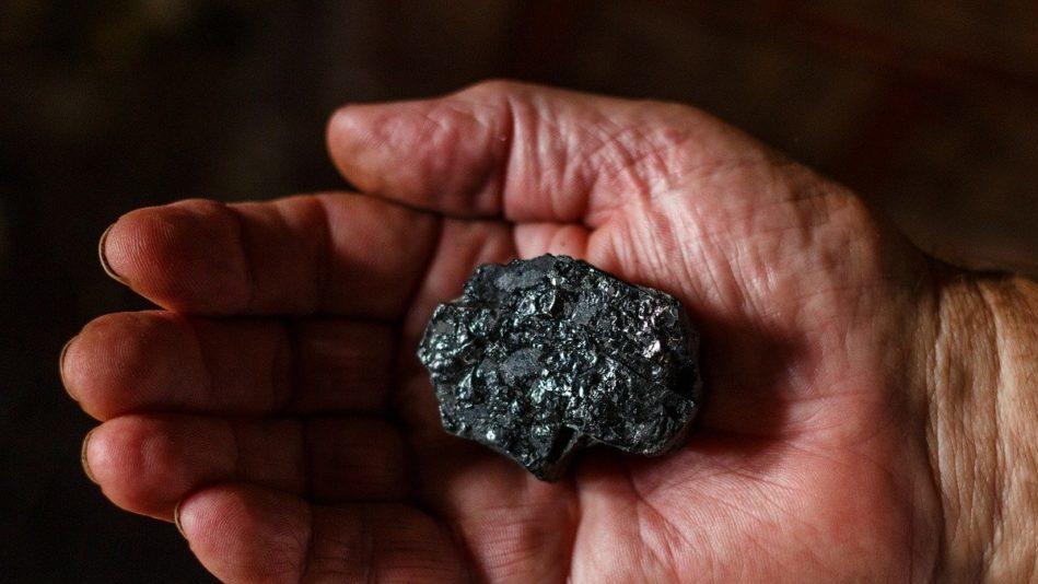 Carbone: la Cina ordina lo stop alle importazioni dall'Australia