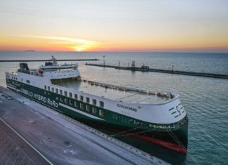 nave Eco Livorno