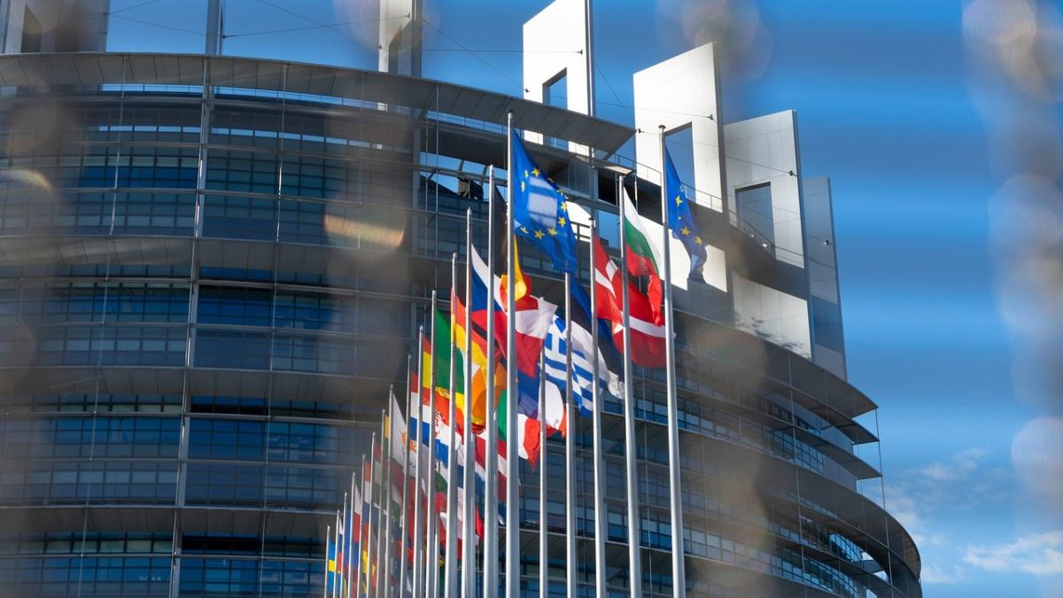 Legge sul clima UE: si va verso un taglio delle emissioni solo del 52,8%