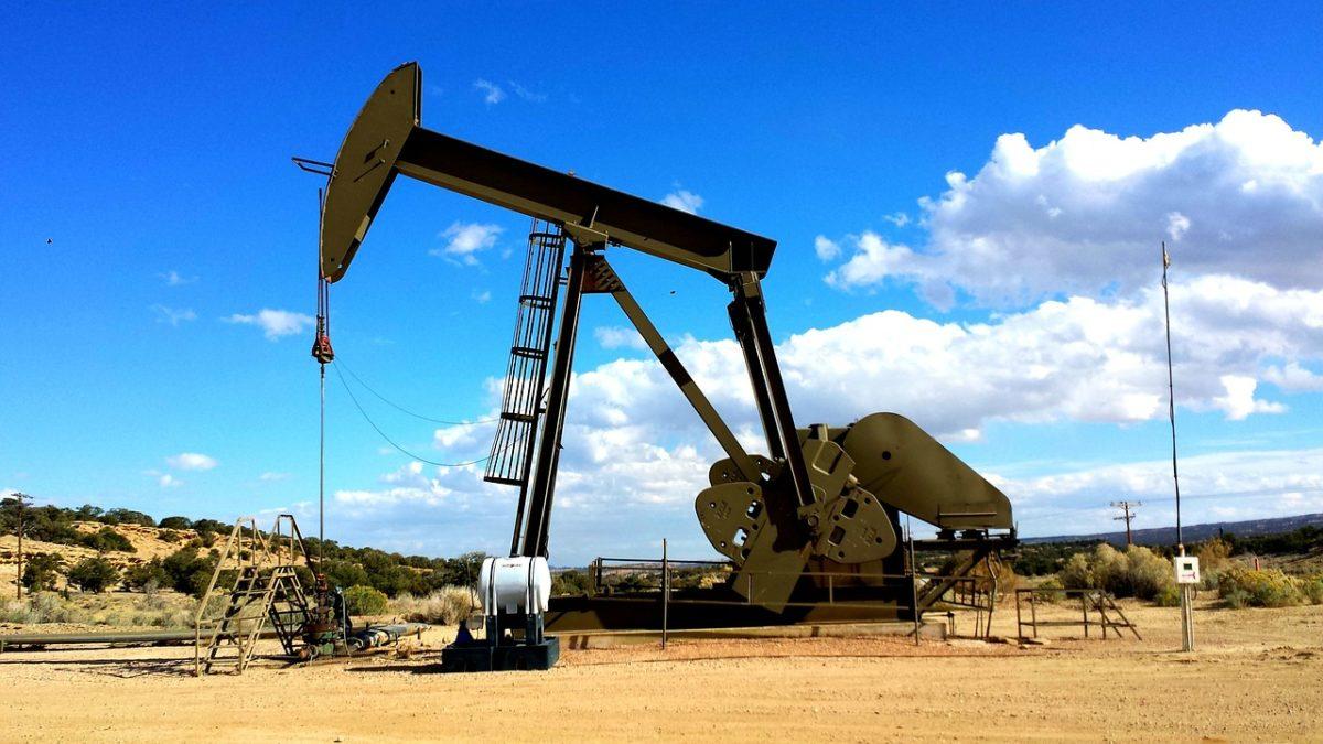 Transizione energetica: sbagliato dire subito addio alle fossili, dice Rystad