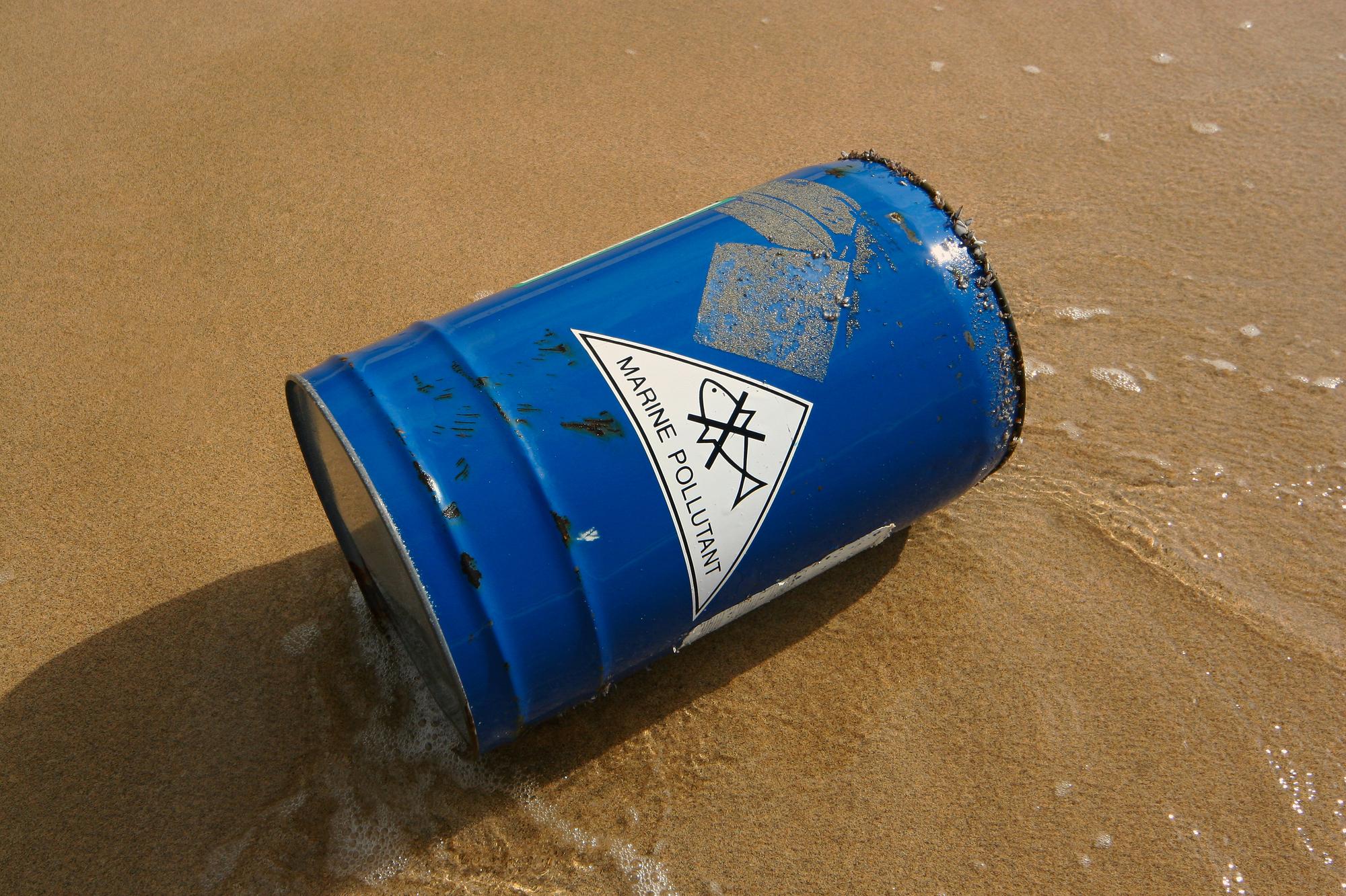 Disastro ambientale: Sri Lanka, affonda il cargo pieno di sostanze chimiche