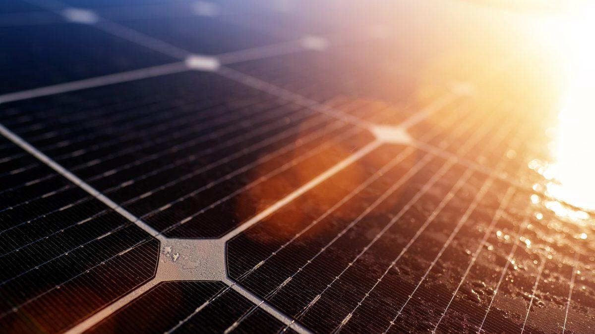 Filiere delle tecnologie rinnovabili: dagli USA stop al polisilicio cinese?