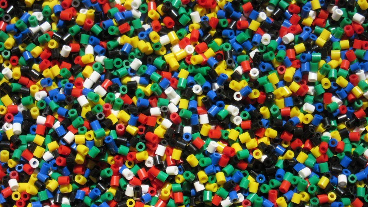 Stop alla plastica: perché serve un bando globale vincolante