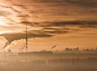 Inquinamento atmosferico: l'OMS abbassa i limiti per 6 inquinanti