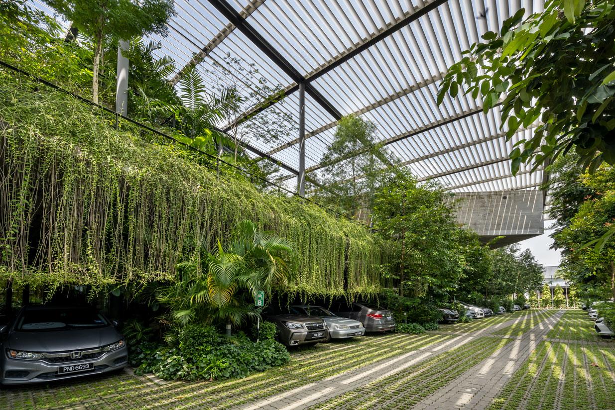 Biofilia e la fabbrica nella foresta esterno - Credits Lin Ho Photography