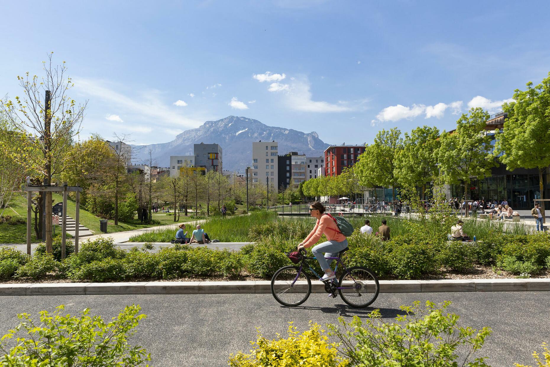 Grenoble_Caserne-de-Bonne